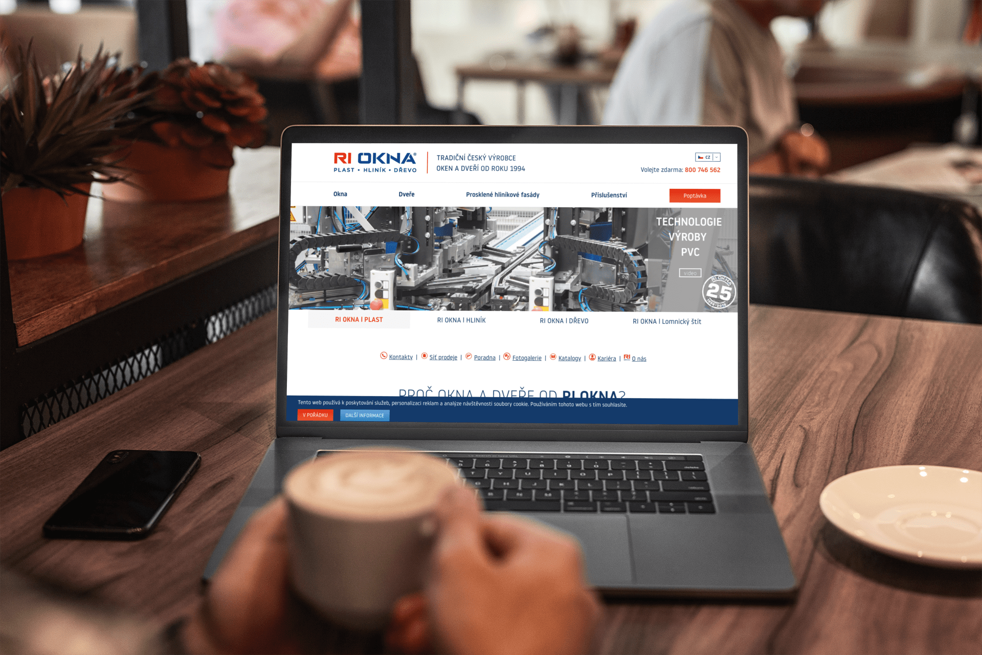 macbook-pro-mockup-featuring-a-man-working-at-a-coffee-shop-491-el